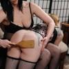 Фото - Госпожа со страпоном порет рабыню