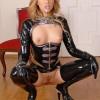 Фото- Госпожа позволила рабу трахнуть ее