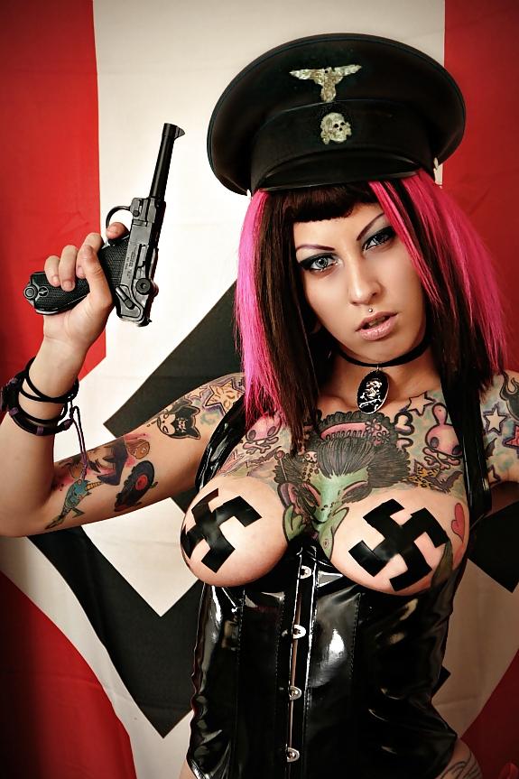 Нацистские госпожи БДСМ
