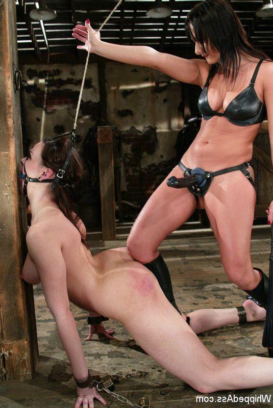 Госпожи мучают своих рабынь фото 434-784